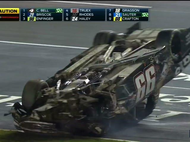 Dit is geen ideale manier om uw NASCAR-race te beëindigen