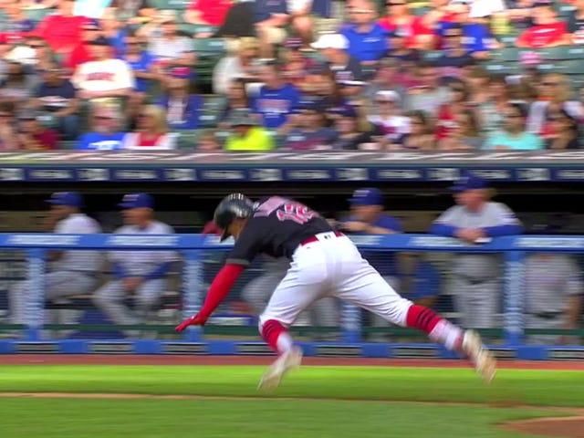 Francisco Lindor von mächtigen Baseballschläger besiegt