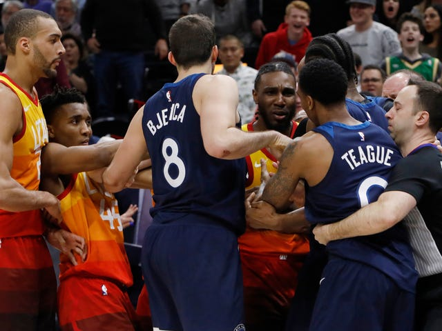Timberwolves Collectively Melt Down During Costly Conference Loss