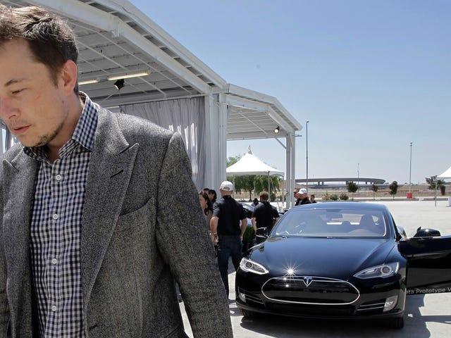 Elon Musk nói Tesla có lẽ sẽ không cho chúng ta thấy mô hình đầy đủ 3 tháng 3 này