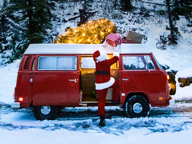 Last Minute Gifts From Huckberry: Sneakers, Candles, Backpacks, & More