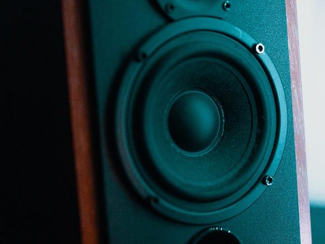 Hoe u kunt kiezen tussen bekabeld, Bluetooth of Wifi voor de luidsprekerinstelling van uw huis