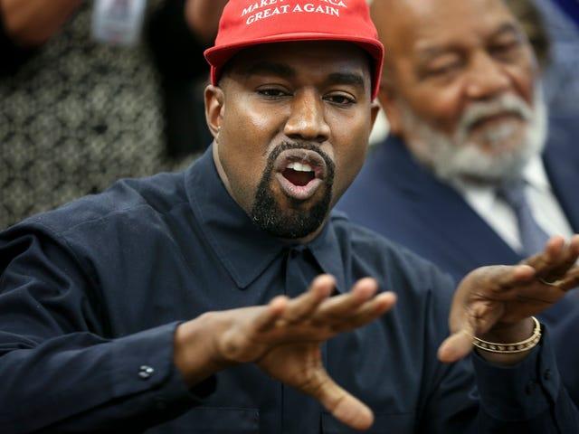 """Kanye West défend TI """"Virgin Testing"""" sa fille;  Dit que c'est """"approuvé par Dieu"""""""
