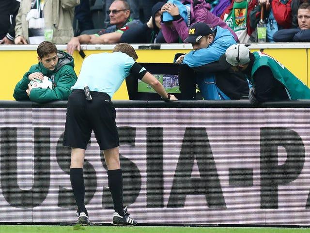 फीफा वीडियो रीप्ले के साथ इस ग्रीष्मकालीन विश्व कप को संक्रमित करने के लिए सहमत है