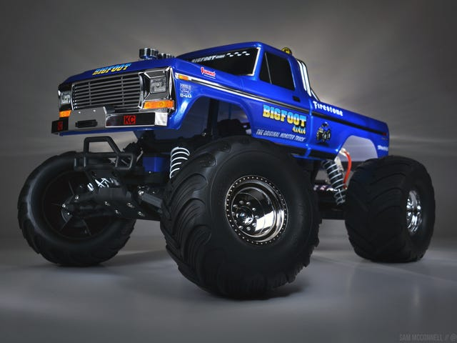 Light Painting the Traxxas Bigfoot #1