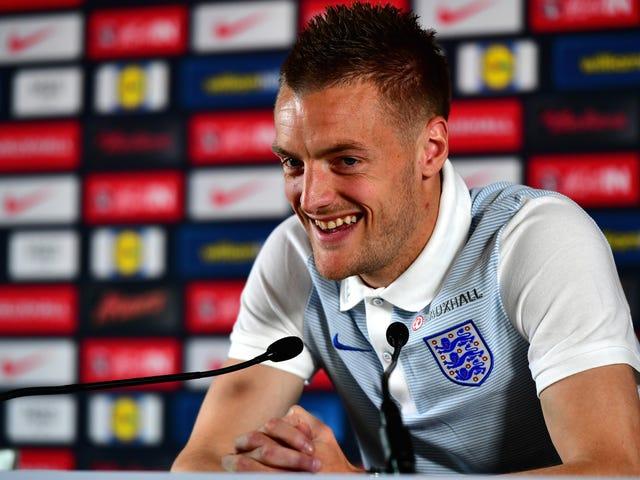 Ο Jamie Vardy αρνείται το οπλοστάσιο, συμφωνεί με τη νέα σύμβαση με τη Leicester