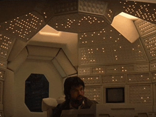 10 technologies supposées futuristes dans des films qui paraissent si démodés maintenant