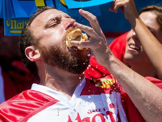 Joey Chestnut, Hot Dog Expert, ratkaisee Sandwich-kyselyn kerran ja kaiken