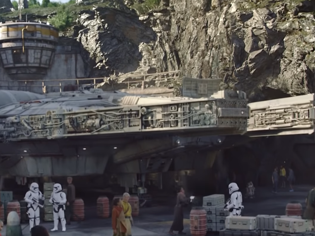 Disney's Star Wars Land Is Getting Its Own Comic, Because of Course It Is