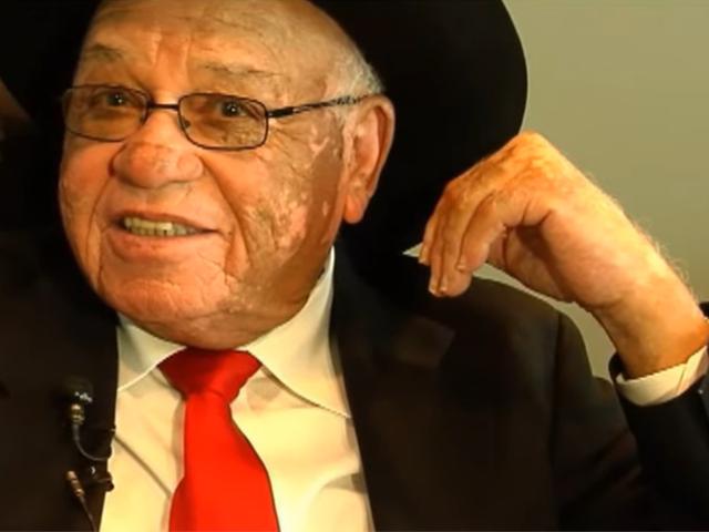 El legendario entrenador de fútbol Herman Boone, quien fue inmortalizado en Remember the Titans, muere a los 84 años