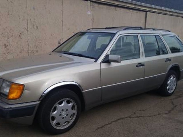 This 1992 Mercedes Benz 300TE Rolls AWD for $1,999