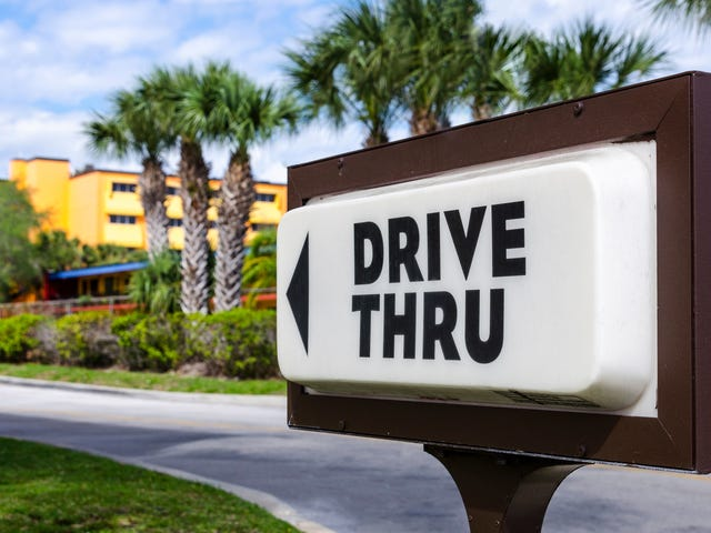 Man allegedly blows up strangers' car over drive-thru honking