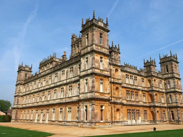 The Downton Abbey movie has been green-lit