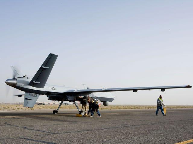 Siły Powietrzne nie mogą zrozumieć, jak powstrzymać drony przed wypadnięciem z nieba
