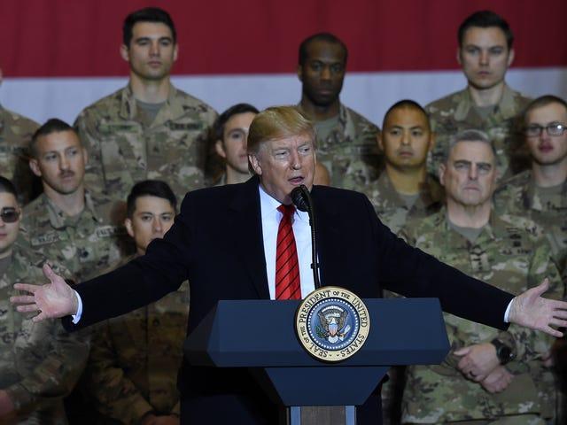 Ο Ντόναλντ Τρούμπ πήγε στο Αφγανιστάν για να ευχαριστήσει προσωπικά τα στρατεύματα