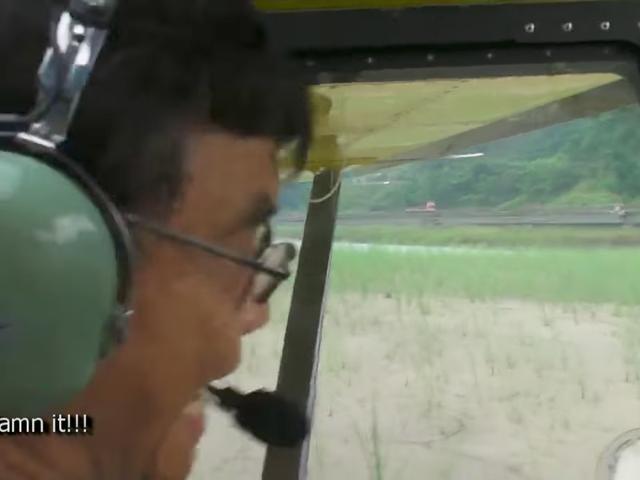 Un pilote calme attend qu'après l'accident pour atterrir dans le monde entier