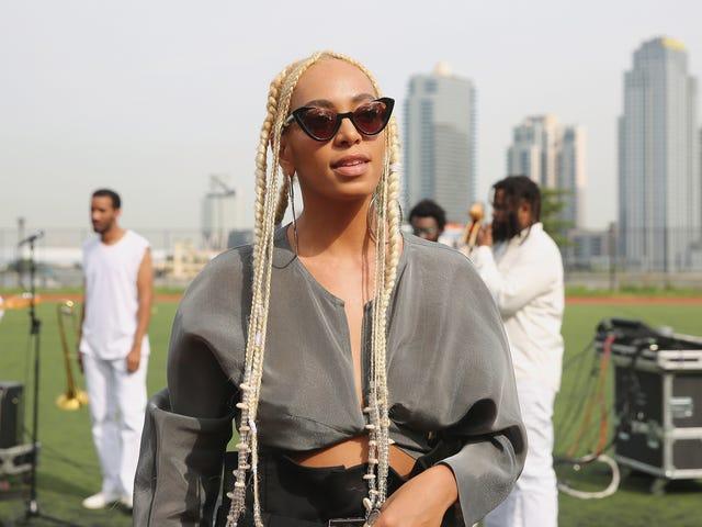 Solange Stars na nova campanha da Calvin Klein