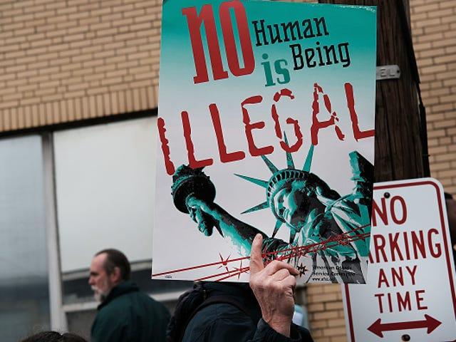 Un recours collectif prétend que des milliers de détenus de l'ICE ont été forcés à travailler, enfreignant les lois anti-esclavagistes