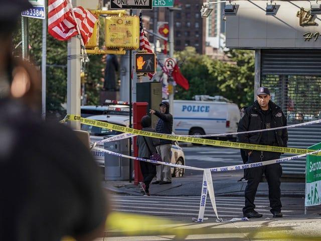 NYPD lancerer en fuldstændig pålidelig iOS-app til at logge politiaktivitet, der helt sikkert vil fungere som beregnet