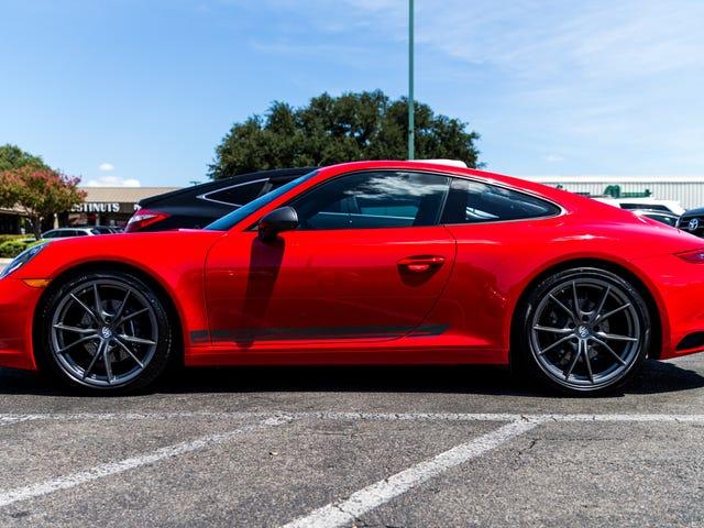 คุณต้องการรู้อะไรเกี่ยวกับ 2018 Porsche 911 Carrera T?