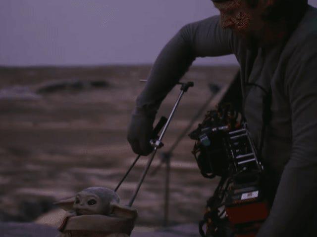 De eerste trailer van de Mandalorian-documentaire gaat achter de schermen over het tot leven brengen van Baby Yoda