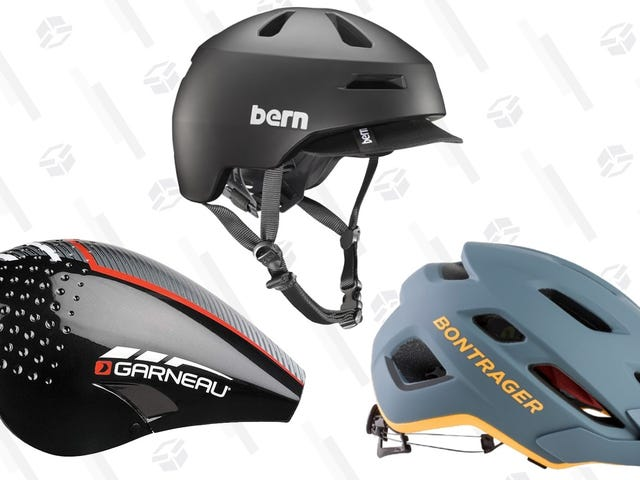These Are Our Readers' Three Favorite Bike Helmets