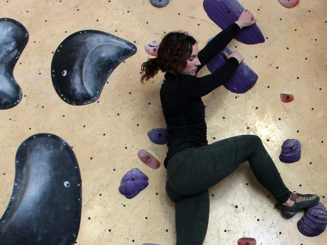 Làm thế nào để bắt đầu leo núi đá khi bạn không có sức mạnh cơ thể