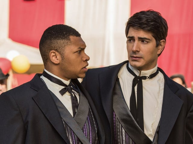 Legends of Tomorrow Thrives When There Are 'No Rules,' Says Brandon Routh