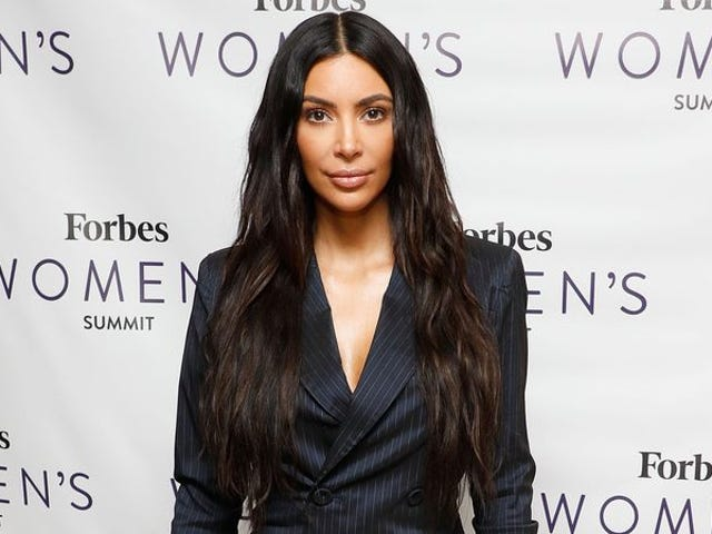 """<a href=""""https://news.avclub.com/kim-kardashian-basically-being-sued-for-looking-so-good-1798264645"""" data-id="""""""" onClick=""""window.ga('send', 'event', 'Permalink page click', 'Permalink page click - post header', 'standard');"""">Kim Kardashian basically being sued for looking so good in her selfies</a>"""