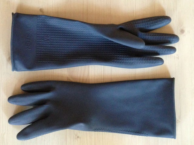 The Perfect Pair of Dishwashing Gloves