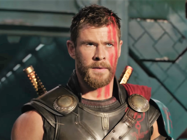Chris Hemsworth Felt liberado pelo Thor's <i>Ragnarok</i> Haircut