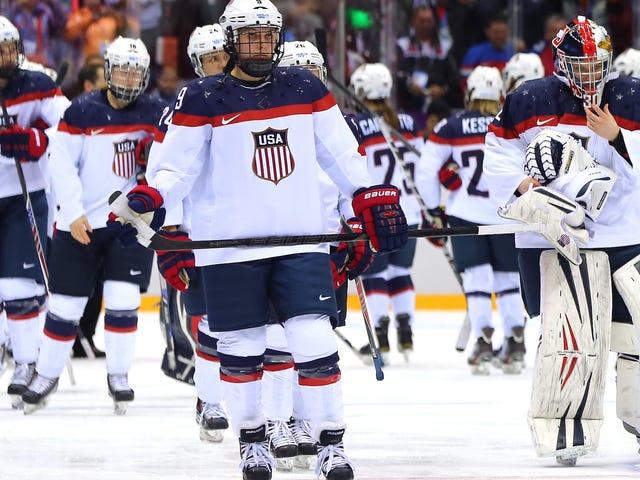 La squadra di hockey femminile statunitense raggiunge un accordo con l'hockey statunitense, giocherà nel campionato del mondo