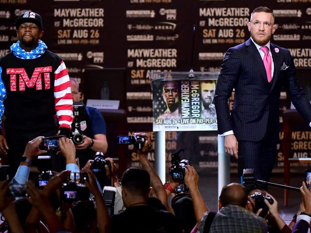 You Don't Have To Pick A Side Between Floyd Mayweather And Conor McGregor