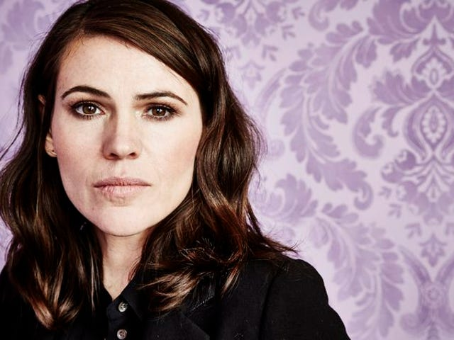 """<a href=""""https://film.avclub.com/clea-duvall-on-can-t-hardly-wait-buffy-and-how-cramps-1798251486"""" data-id="""""""" onClick=""""window.ga('send', 'event', 'Permalink page click', 'Permalink page click - post header', 'standard');"""">Clea DuVall on <i>Can't Hardly Wait</i>, <i>Buffy</i>, and how cramps almost cost her <i>Carnivàle</i></a>"""