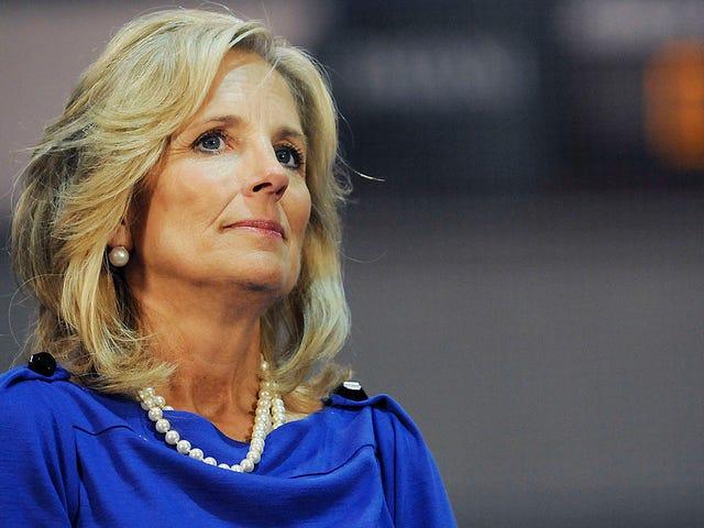 Jill Biden bổ sung nhiên liệu cho ngọn lửa Anita Hill của Joe Biden bằng cách nói 'Đã đến lúc phải tiếp tục'