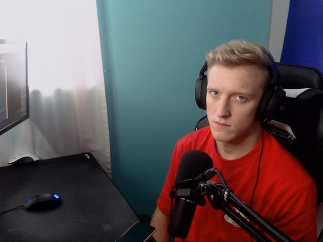 Popular Streamer Sues FaZe Clan Over 'Illegal' Contract, But The Organization Says The Contract Is Fine