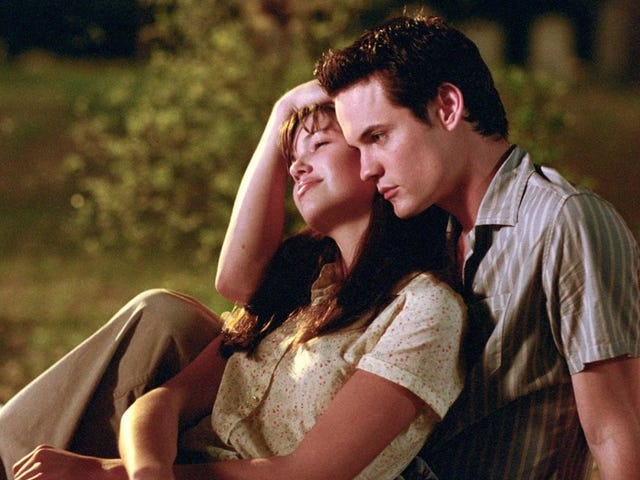 An Oral History Of the First Time Kate and Kara Saw A Walk to Remember