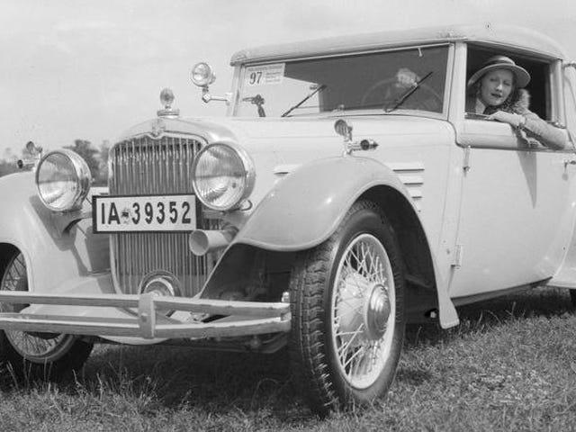 Se metà dei guidatori statunitensi sono donne, perché i produttori di auto non stanno facendo un lavoro migliore per il marketing?