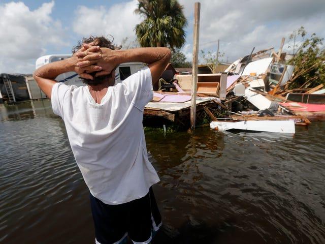 伊玛目离开佛罗里达街道淹没生污水