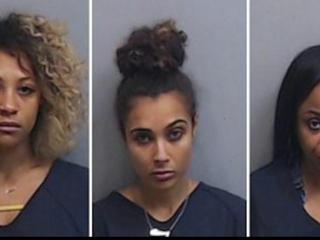 Актрисы арестованы в Атланте за слишком долго в ванной
