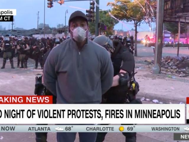 Periodistas negros y cubriendo la tormenta que nunca pasa