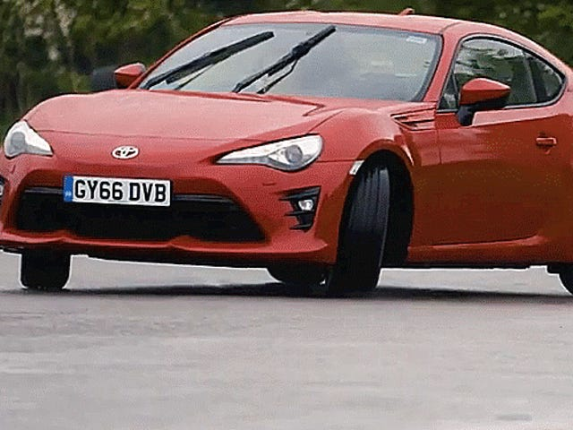The Idiot's Guide To Oversteer Vs. Understeer And How To Beat Both