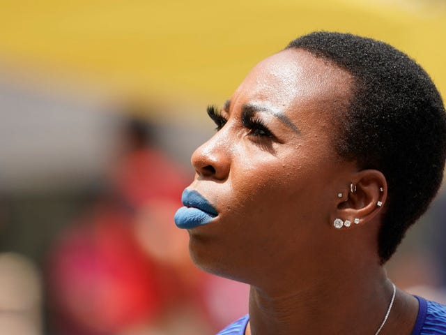 U.S. Hammer Thrower Gwen Berry Raises Fist During National Anthem at Pan Am Games; U.S. Fencer Takes a Knee