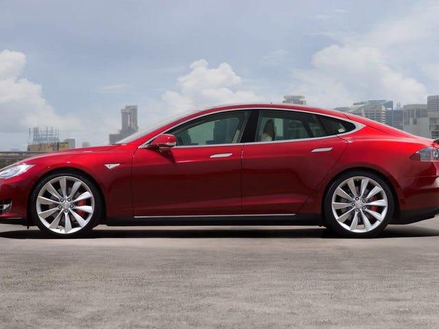 Door Handles Blamed For Driver's Death In Tesla Model S Fire: Lawsuit