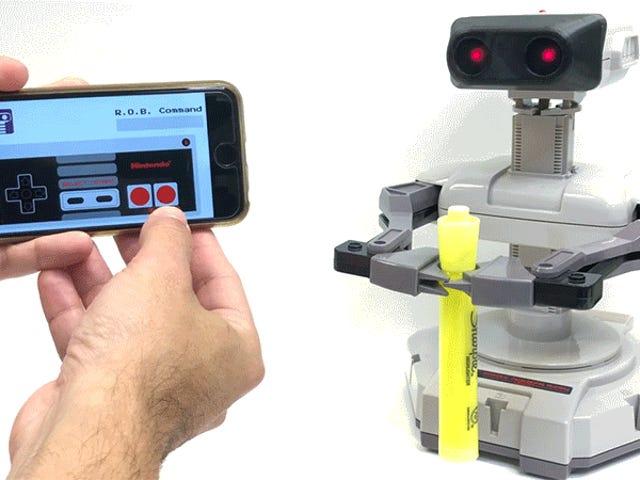 Tiny Goggles Γυρίστε το Αξεσουάρ ROB της Nintendo στο χειρότερο Smartphone-Controlled Personal Assistant