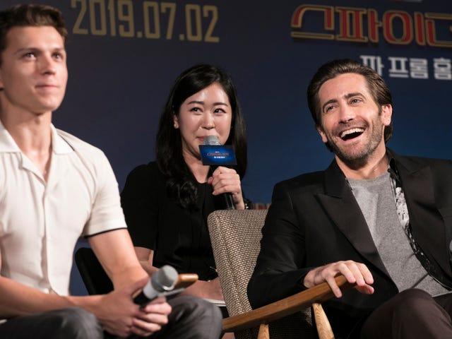 Jake Gyllenhaal, Evden Aldığı Kredilerden Uzak Görüş Sahnesinin Örümcek Adamın Evriminin Bir Parçası Olduğunu Düşünüyor