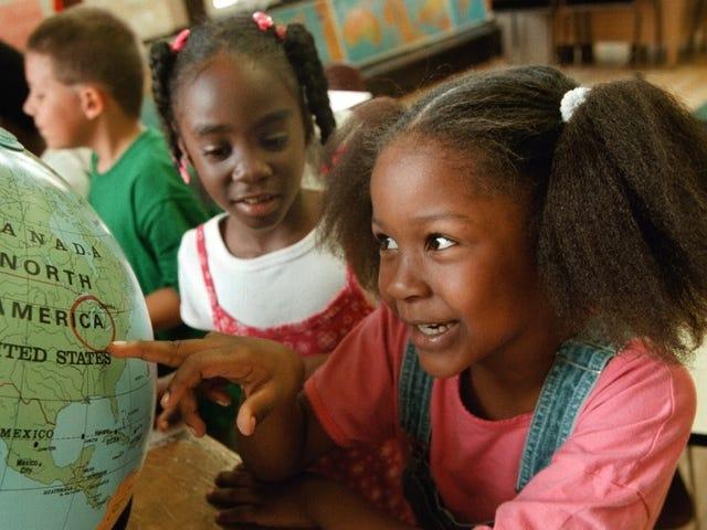 Beritahu Kami Bagaimana Sistem Sekolah Umum Menguntungkan Anda