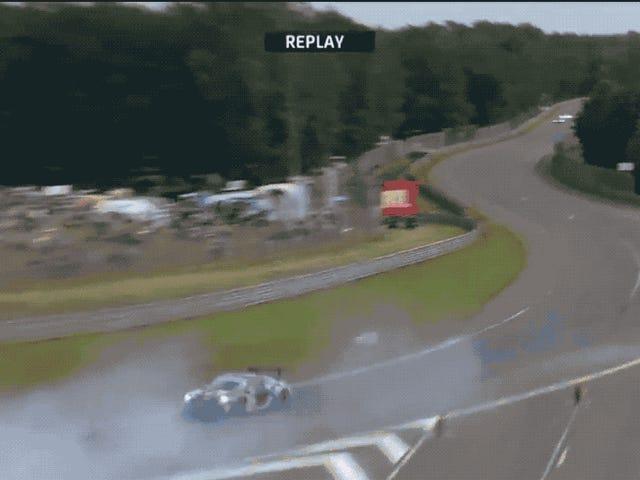 Tonton Pengemudi Le Mans Jeroen Bleekemolen Cruise Melalui Perangkap Kerikil Seperti Aspal