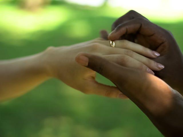 'Octoroon', 'Mulatto' o 'Aryan': las parejas demandan a Virginia para evitar que obligue a las personas a elegir una raza para obtener una licencia de matrimonio