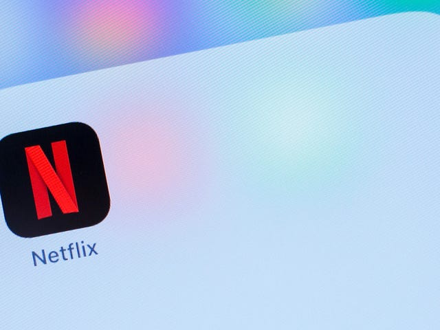 Netflix Is Testing a Shuffle Feature That Could Make Your Binges Even Lazier